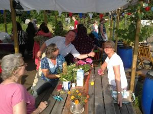 eten in de pluktuin 2 aug. 2014 012
