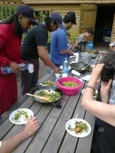 koken in de tuin 30 juni 2012 006
