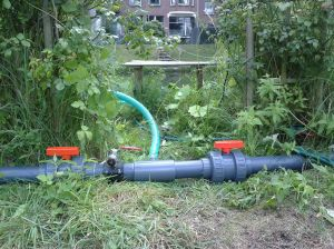 watersproei installatie pluktuin juli 2014 012